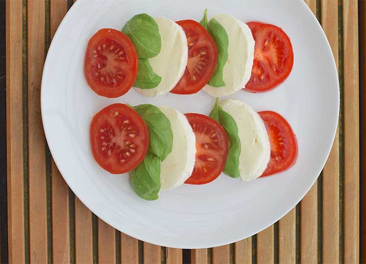 basil tomato mozzarella recipe